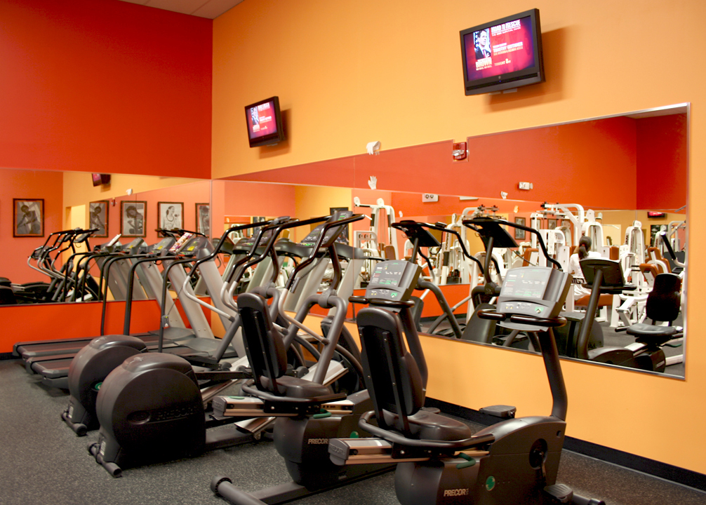 At Metropolis Fitness and Spa Gym Miami, we are passionate about Fitness and Health, therefore we have created a top of the line facility which boasts the latest in progressive resistance, cardio-vascular conditioning, Power Pilates, circuit training, Power Rumba, Zumba Dance, Spinning, Crossfit training classes and free weight equipment.